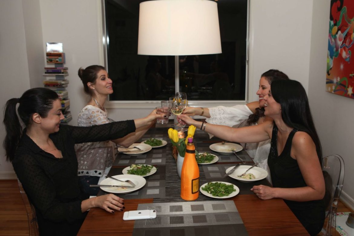 How to Host a Small Dinner